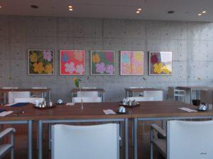 ベネッセハウスの日本料理 一扇に飾ってあるアンディー・ウォーホルの「フラワーズ」