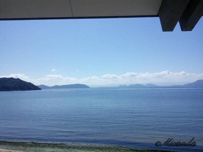 Benesse Houseのビーチ棟からの海の眺め