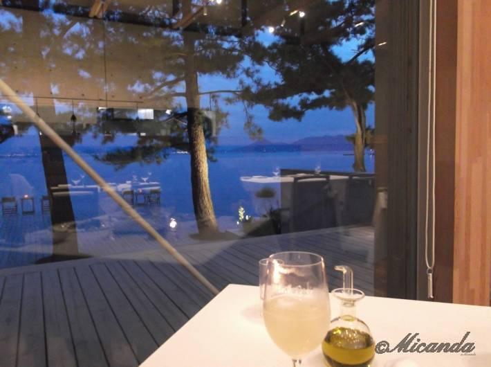 テラスレストラン「海の星 Etoile de la mer」から見える海
