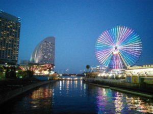 夜の横浜の観覧車