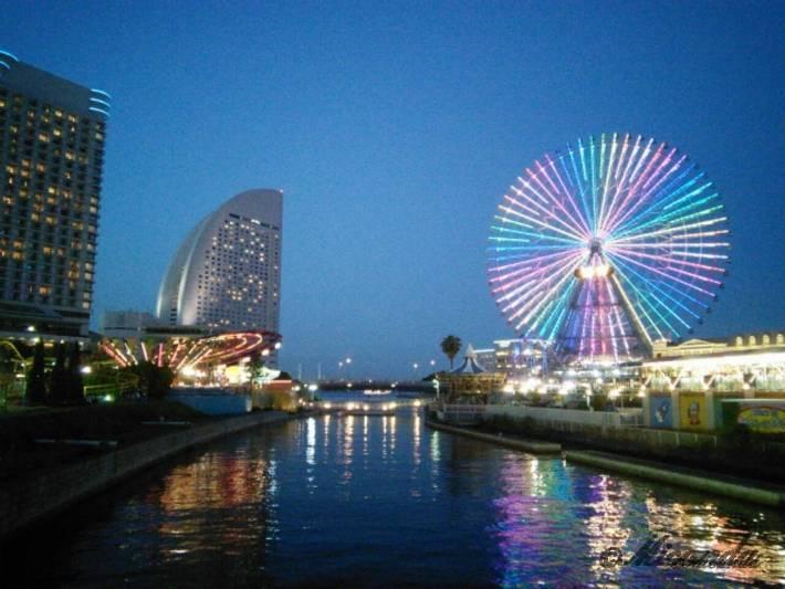 横浜の夜の観覧車