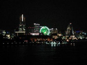 大さん橋国際客船ターミナルからのみなとみらいの夜景