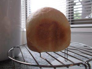 タイガーのパン焼き機「GRAND X」で焼いたちゃんと膨らんだ時のパン