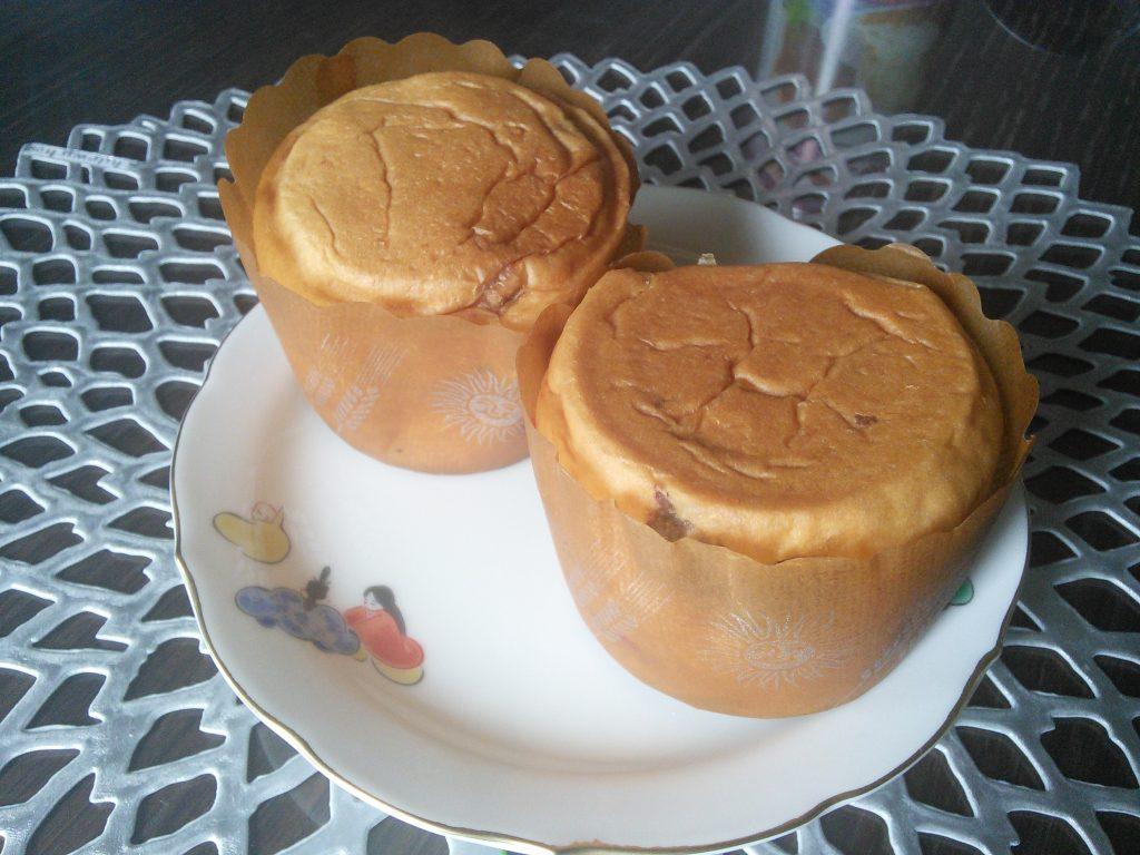 名古屋ライトハウスの「パンですよ!」のパンを缶から取り出したところ