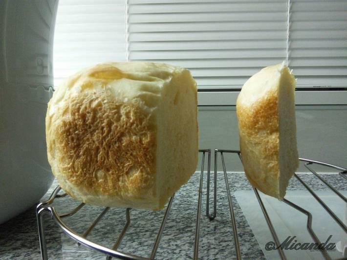 曙産業さんのホームベーカリースライサーを使って切ったパン