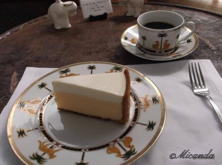 何年も食べたかったハウスオブフレーバーズのチーズケーキとコーヒー