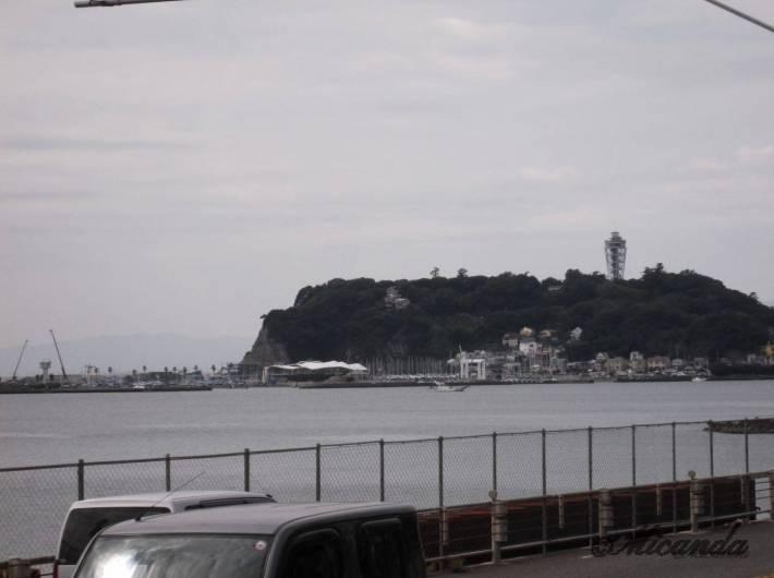 鎌倉高校前から見える海と江の島