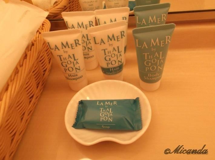 ホテル日航金沢のダブルベッドルームのアメニティ