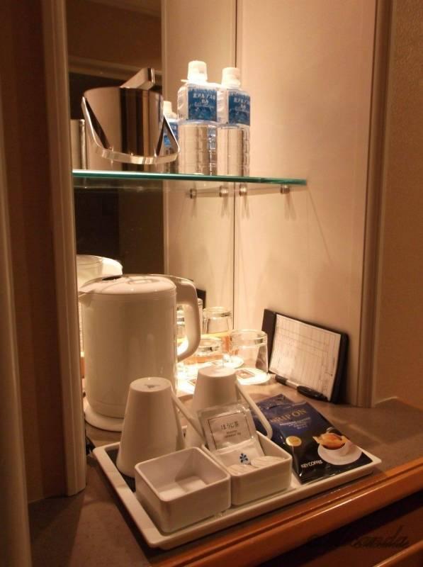 ホテル日航金沢のダブルベッドルームのドリンクバー