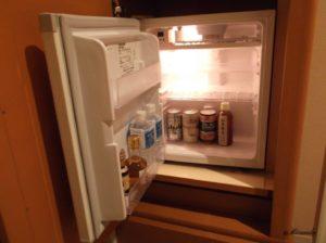 ホテル日航金沢のダブルベッドルームの冷蔵庫