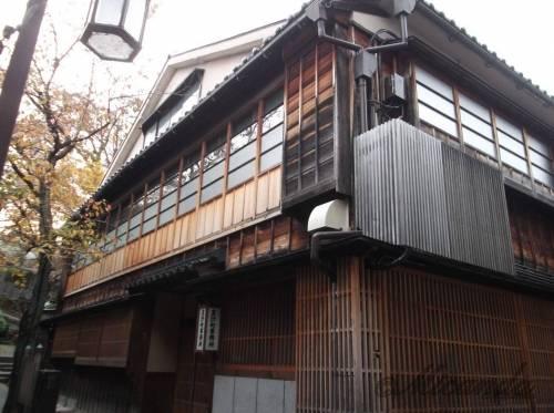金沢の主計町茶屋街にある泉鏡花の家