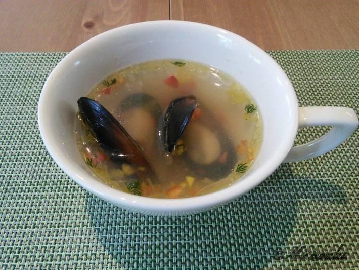お料理サロン おかむらのランチのムール貝のスープ