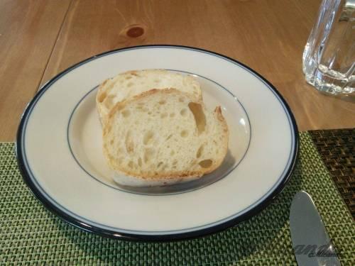 お料理サロン おかむらのランチのフランスパン