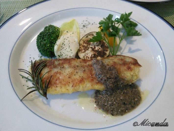 お料理サロン おかむらのランチのメインの真鯛